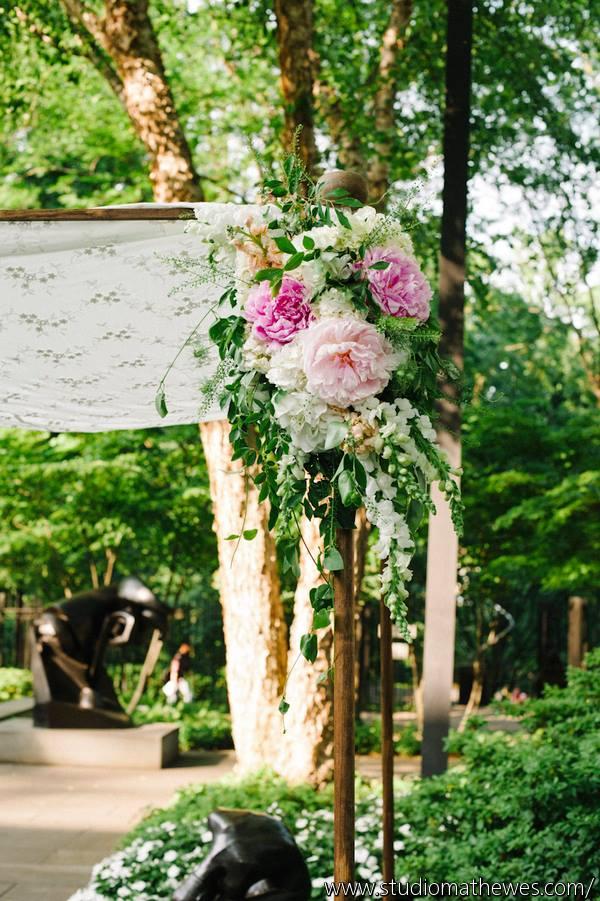 sculpture garden decorated for a wedding